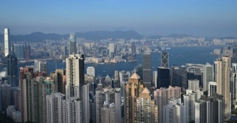 HK's Economic Contraction Eases Amid Covid